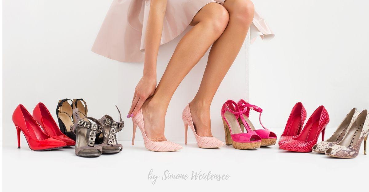 Warum Frauen Schuhe lieben. Lifestyle50Plus, Best Ager Lounge, Bequeme Schuhe zum Kleid, bequeme Schuhe mit Absatz. warum Frauen Schuhe kaufen